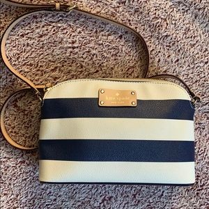 Small Kate spade striped purse